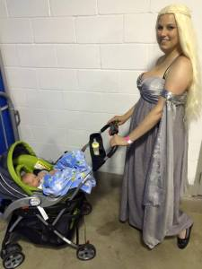 daenerys targaryen and baby cosplay