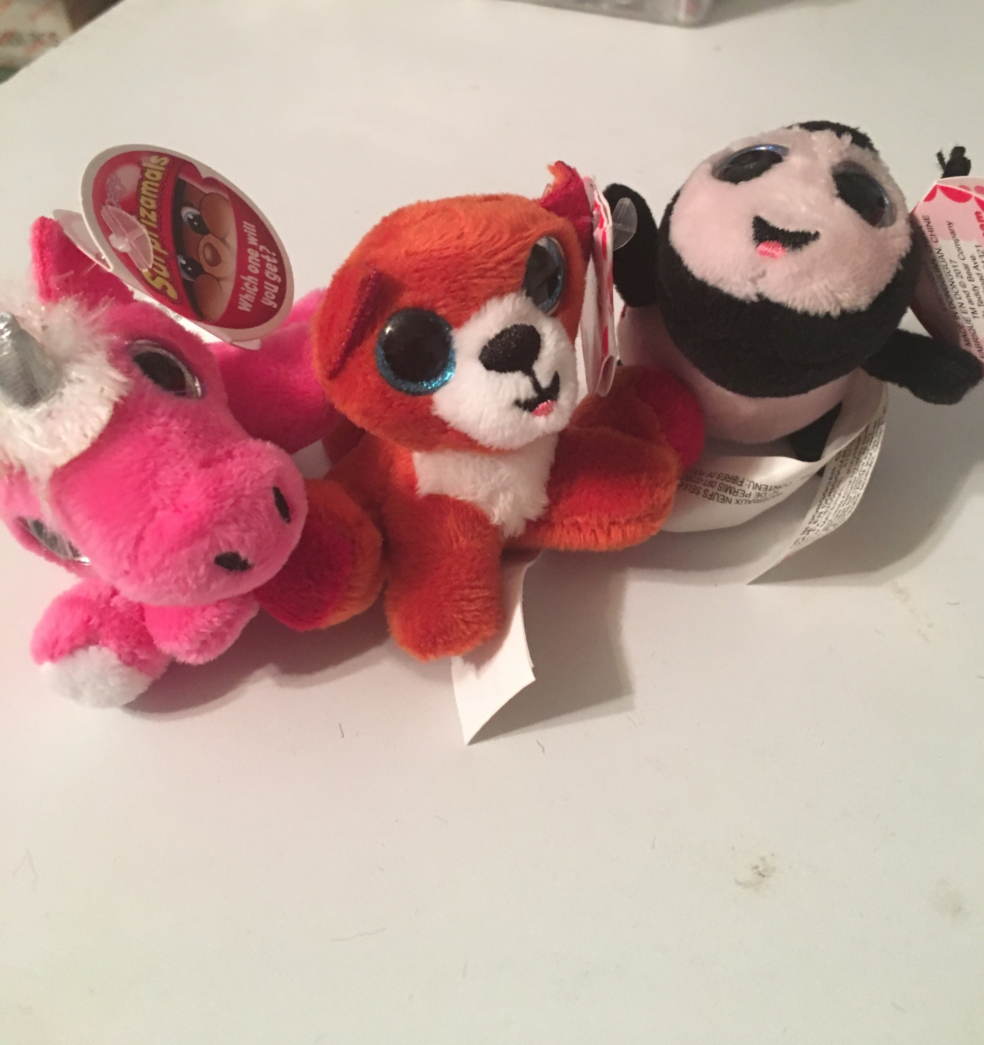 Toy review on plush toys inside Surprizamal eggs
