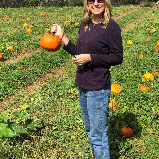 picking-halloween-pumpkin