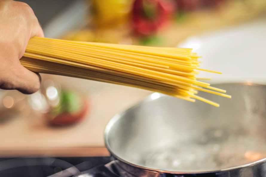 plain noodles cooking