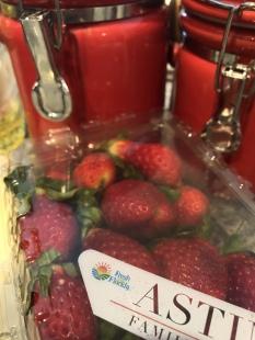 strawberry-muffin-recipe (1)