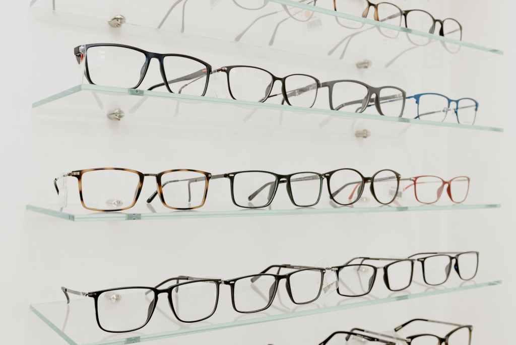choosing eyeglasses