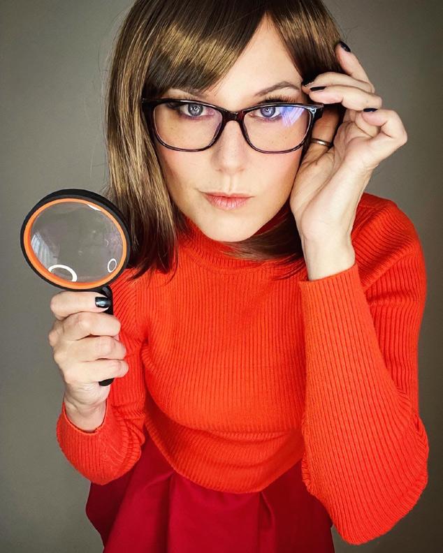 Velma cosplay with glasses