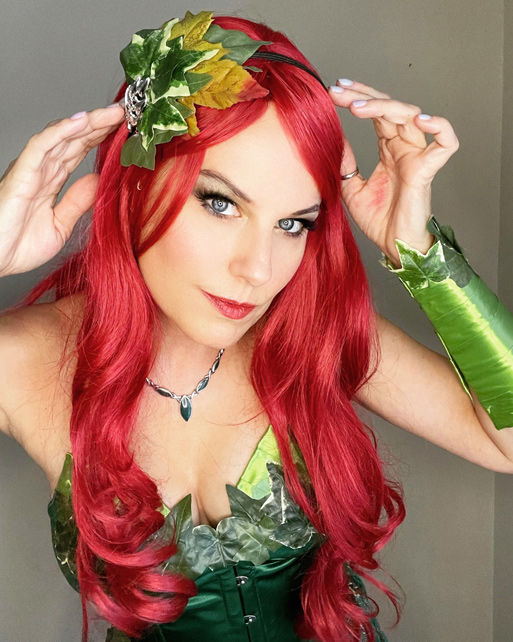 Poison Ivy cosplay wig